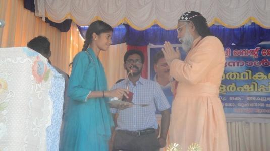 Sandhya honored3